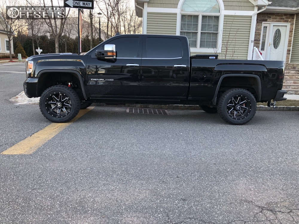 """2018 GMC Sierra 2500 HD Aggressive > 1"""" outside fender on 20x10 -19 offset Hostile Alpha & 33""""x12.5"""" Toyo Tires Open Country R/T on Leveling Kit - Custom Offsets Gallery"""