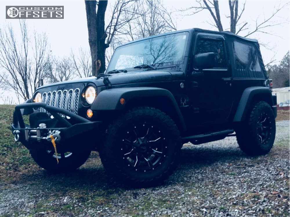 "2014 Jeep Wrangler Aggressive > 1"" outside fender on 17x8 0 offset Moto Metal Mo970 and 33""x12.5"" Thunderer Trac Grip M/t on Leveling Kit - Custom Offsets Gallery"