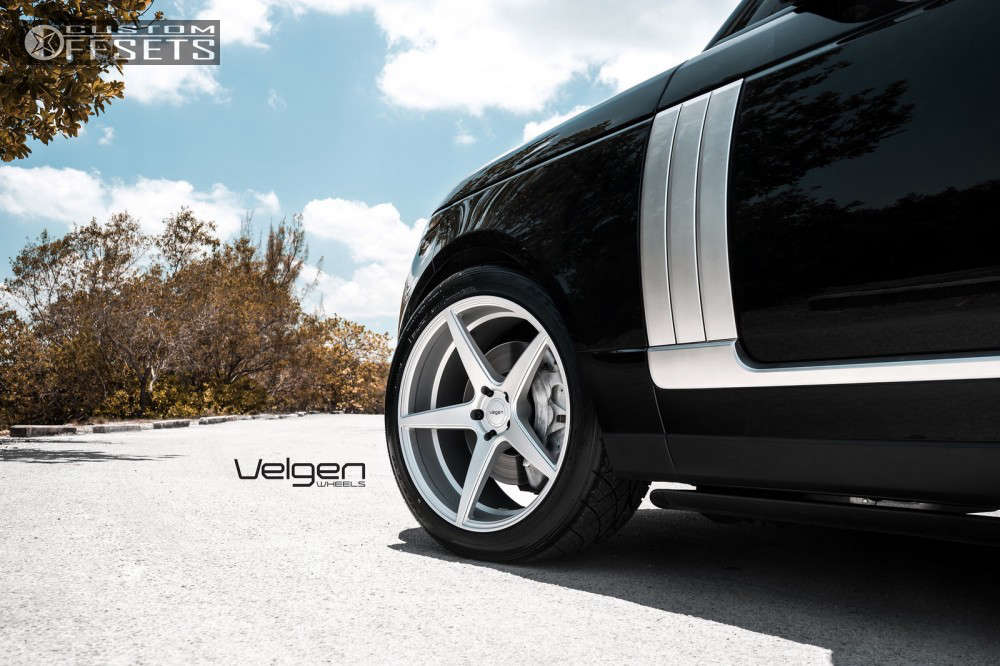 2016 Land Rover Range Rover Sport Flush on 22x10.5 37 offset Velgen Classic5 and 285/40 Nitto Nt420s on Stock Suspension - Custom Offsets Gallery