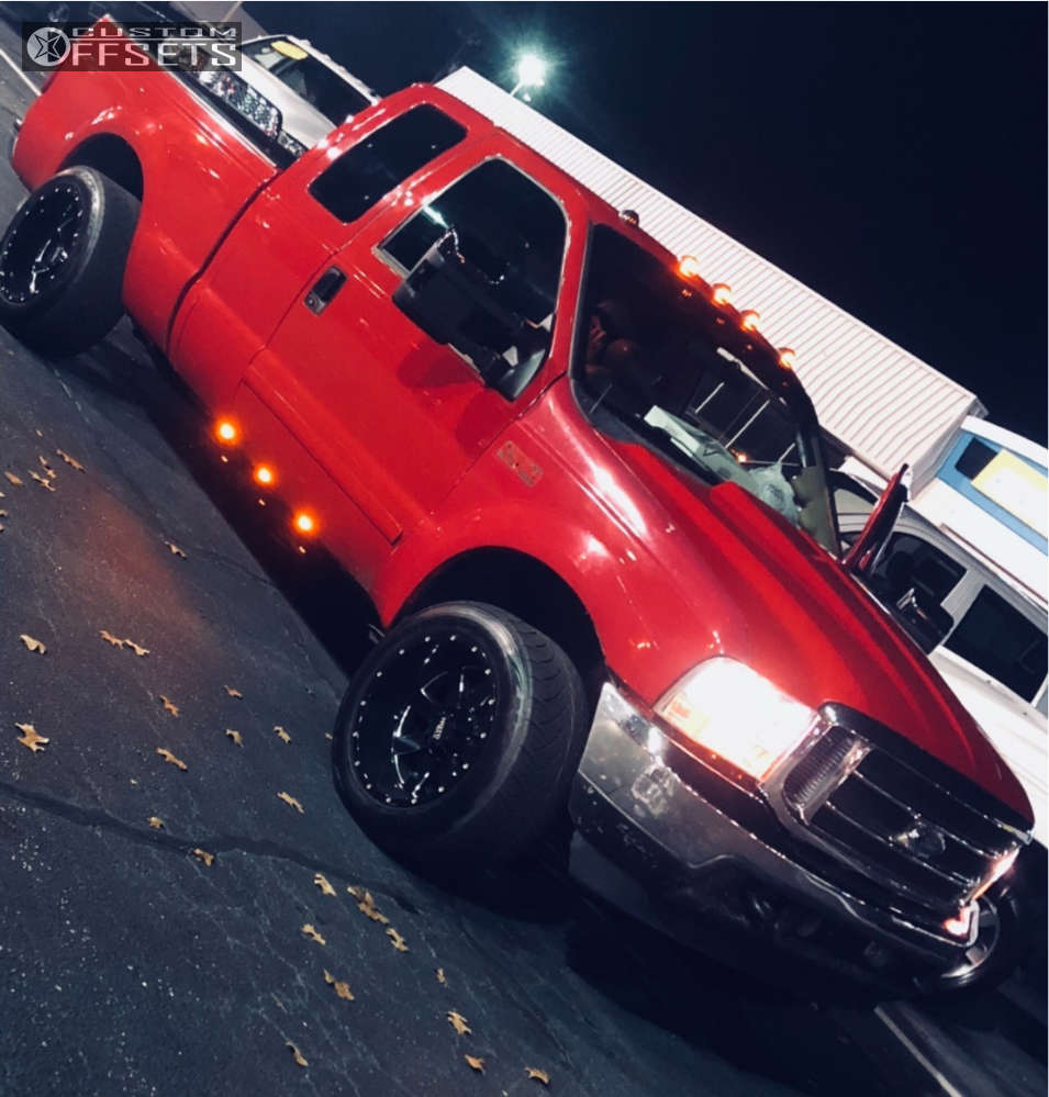 """2001 Ford F-250 Super Duty Aggressive > 1"""" outside fender on 20x12 -44 offset Moto Metal Mo962 and 305/50 Nitto Nt420s on Level 2"""" Drop Rear - Custom Offsets Gallery"""