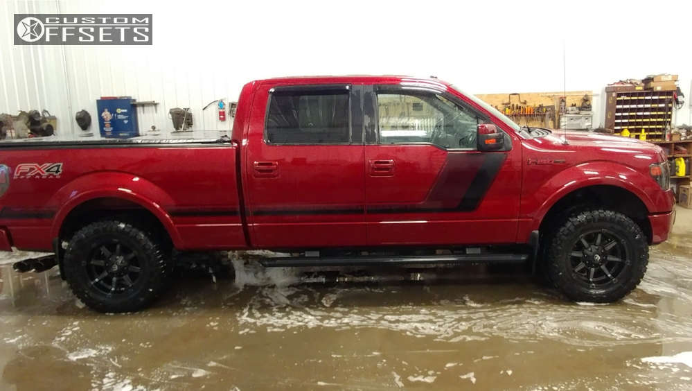 """2014 Ford F-150 Aggressive > 1"""" outside fender on 18x9 -12 offset Fuel Coupler & 33""""x12.5"""" Nitto Ridge Grappler on Leveling Kit - Custom Offsets Gallery"""