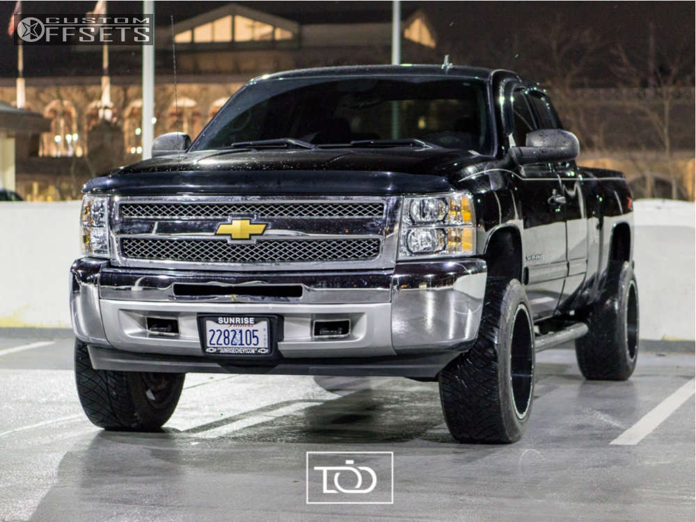 "2013 Chevrolet Silverado 1500 Aggressive > 1"" outside fender on 20x12 -44 offset Moto Metal Mo962 & 305/50 Nitto Nt420s on Suspension Lift 3.5"" - Custom Offsets Gallery"
