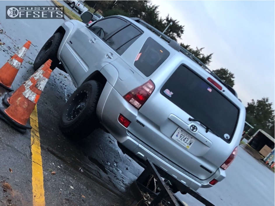 """2005 Toyota 4Runner Aggressive > 1"""" outside fender on 17x9 -12 offset Fuel Hostage & 285/70 Yokohama Geolandar A/t-s on Leveling Kit - Custom Offsets Gallery"""