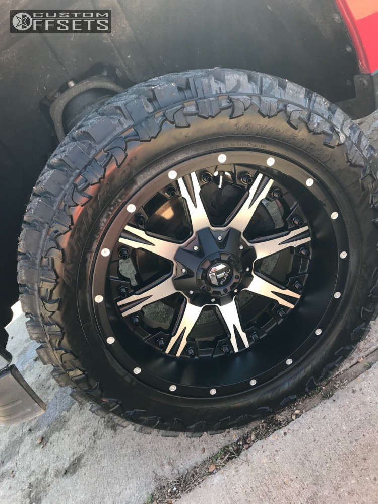 """2015 Chevrolet Silverado 1500 Aggressive > 1"""" outside fender on 20x10 -24 offset Fuel Nutz & 33""""x12.5"""" Atturo Trail Blade MT on Leveling Kit - Custom Offsets Gallery"""