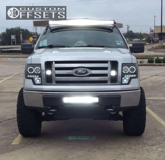 """2010 Ford F-150 Aggressive > 1"""" outside fender on 20x10 -24 offset Moto Metal Mo970 and 35""""x12.5"""" Federal Couragia Mt on Suspension Lift 6"""" - Custom Offsets Gallery"""
