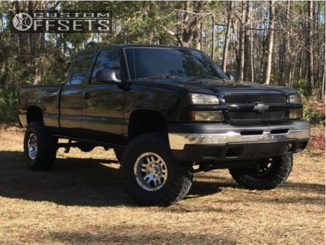 """2004 Chevrolet Silverado 1500 Aggressive > 1"""" outside fender on 16x9 -12 offset Moto Metal Mo951 and 315/75 Toyo Tires Open Country M/T on Suspension Lift 6"""" - Custom Offsets Gallery"""