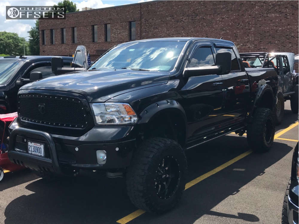 """2015 Ram 1500 Super Aggressive 3""""-5"""" on 18x10 -24 offset Moto Metal Mo970 & 35""""x12.5"""" Federal Couragia Mt on Suspension Lift 10"""" - Custom Offsets Gallery"""