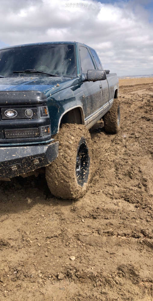 """1997 Chevrolet K1500 Slightly Aggressive on 18x10 -24 offset Moto Metal Mo962 & 35""""x12.5"""" Nitto Trail Grappler on Suspension Lift 6"""" - Custom Offsets Gallery"""