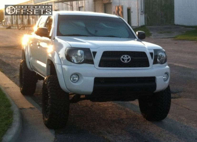 """2008 Toyota Tacoma Aggressive > 1"""" outside fender on 17x9 -12 offset XD Addict and 285/70 Nitto Trail Grappler on Suspension Lift 6"""" - Custom Offsets Gallery"""