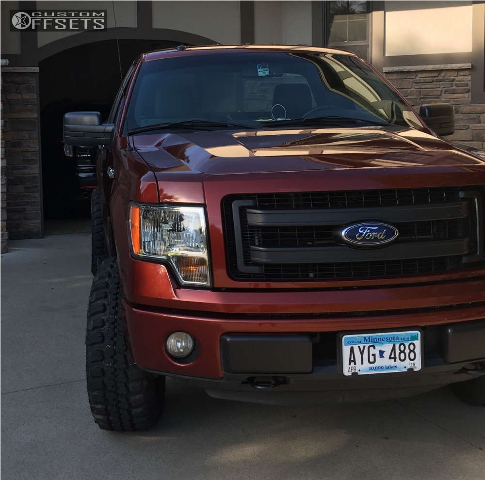 """2014 Ford F-150 Aggressive > 1"""" outside fender on 17x9 -12 offset Gear Off-Road Big Block & 285/70 Federal Couragia Mt on Leveling Kit - Custom Offsets Gallery"""