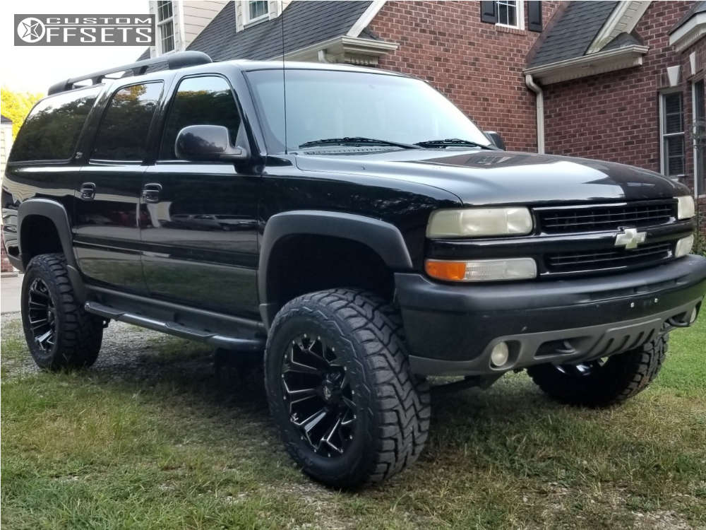 """2001 Chevrolet Suburban 1500 Aggressive > 1"""" outside fender on 20x12 -43 offset Fuel Assault and 35""""x12.5"""" Toyo Tires Open Country R/T on Suspension Lift 6.5"""" - Custom Offsets Gallery"""