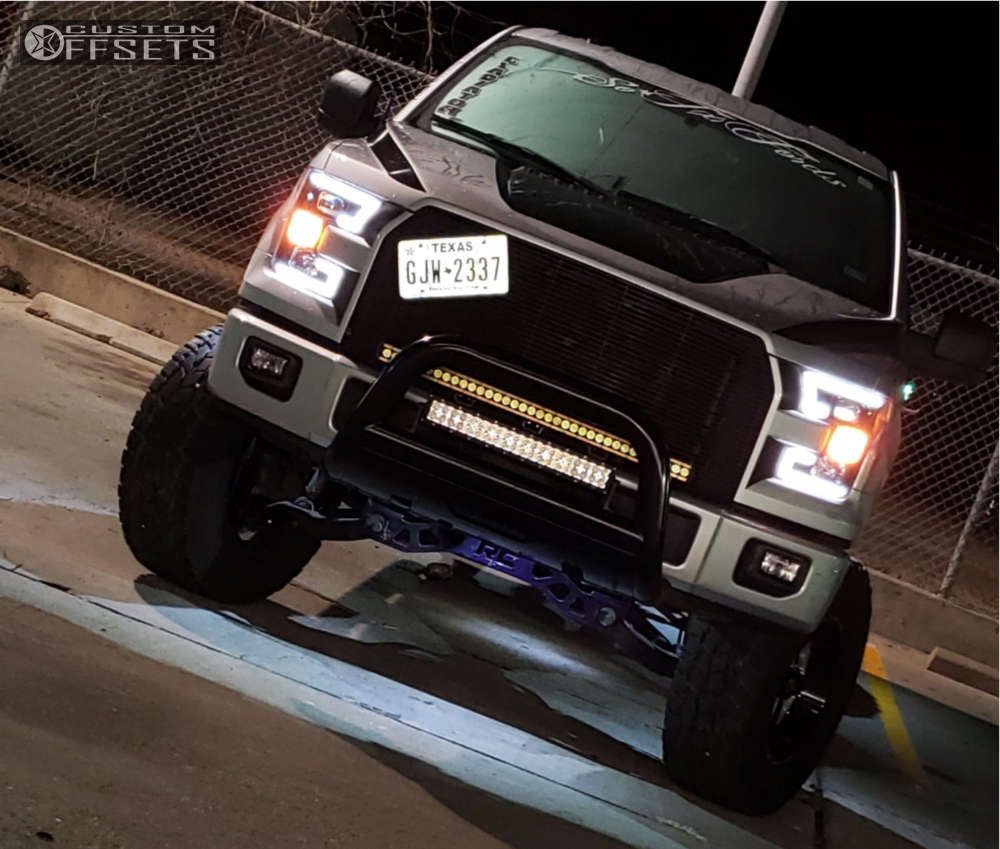 """2015 Ford F-150 Aggressive > 1"""" outside fender on 18x9 -12 offset Fuel Turbo & 35""""x12.5"""" Toyo Tires Open Country A/t Ii on Suspension Lift 6"""" - Custom Offsets Gallery"""