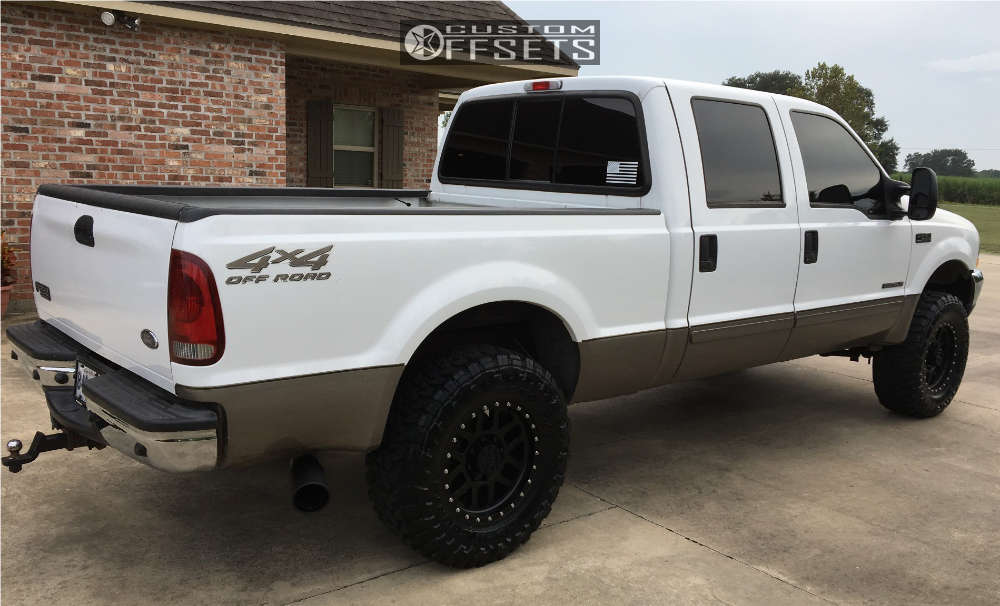 """2002 Ford F-250 Super Duty Slightly Aggressive on 18x9 18 offset Method Mesh and 35""""x12.5"""" Toyo Tires Open Country M/T on Leveling Kit - Custom Offsets Gallery"""