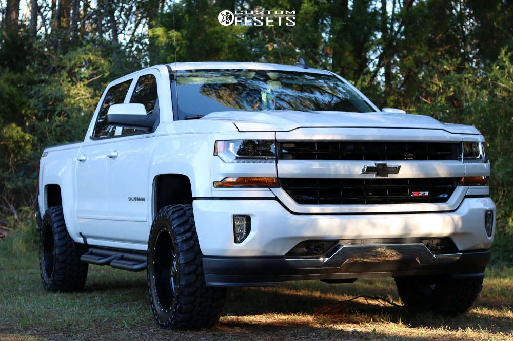 """2018 Chevrolet Silverado 1500 Slightly Aggressive on 20x10 -24 offset Moto Metal Mo970 and 33""""x12.5"""" Patriot Torque Mt on Suspension Lift 4"""" - Custom Offsets Gallery"""