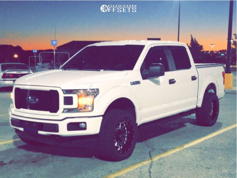 """2018 Ford F-150 Aggressive > 1"""" outside fender on 20x10 -25 offset Vision Widow & 33""""x12.5"""" Ginell Gn3000 on Leveling Kit - Custom Offsets Gallery"""