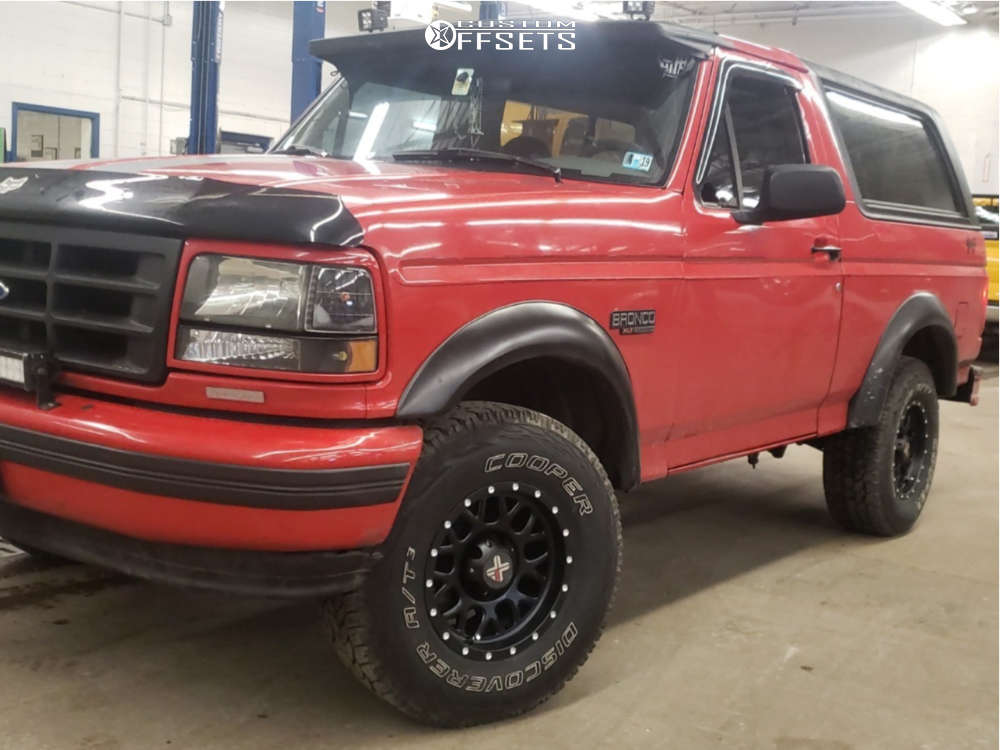 """1996 Ford Bronco Slightly Aggressive on 15x8 -19 offset DX4 Gear & 31""""x10.5"""" Cooper Discoverer At3 on Stock Suspension - Custom Offsets Gallery"""