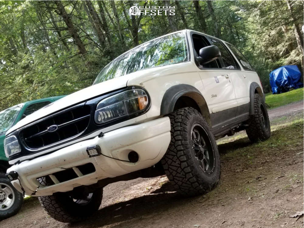 2000 Ford Explorer Nearly Flush on 17x9 -12 offset Vision Locker and 265/70 Nitto Ridge Grappler on Stock Suspension - Custom Offsets Gallery