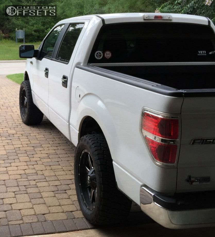 """2011 Ford F-150 Aggressive > 1"""" outside fender on 20x9 1 offset Fuel Maverick and 305/55 Nitto Terra Grappler G2 on Leveling Kit - Custom Offsets Gallery"""