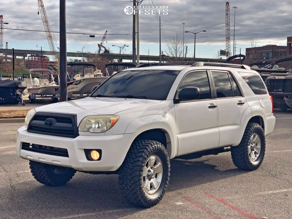 """2007 Toyota 4Runner Aggressive > 1"""" outside fender on 17x7.5 30 offset Spaced Out Stockers Spaced Out Stockers and 33""""x12.5"""" Atturo Trail Blade Mt on Suspension Lift 4"""" - Custom Offsets Gallery"""