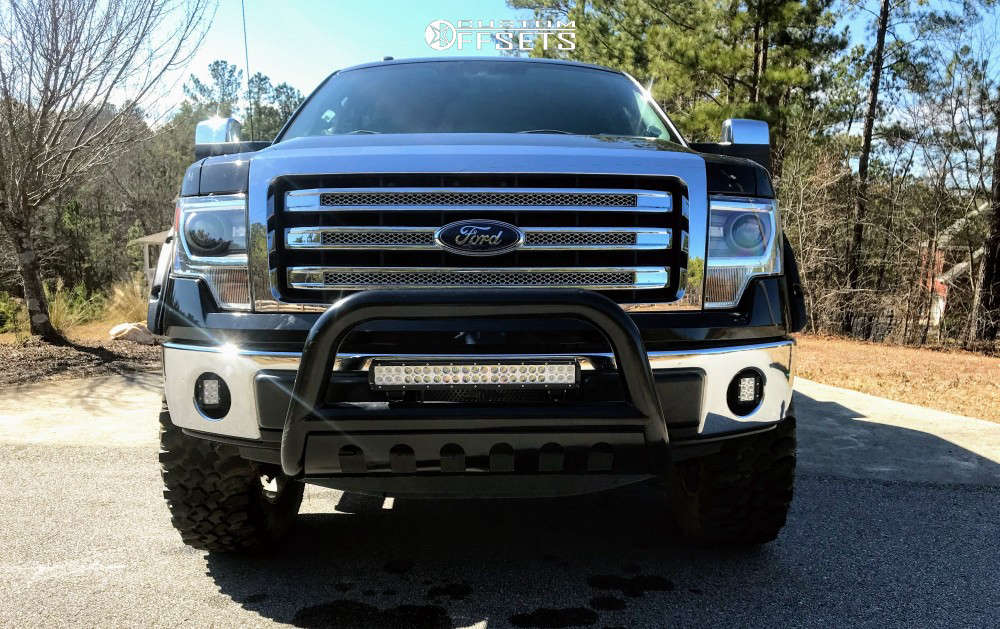 """2014 Ford F-150 Aggressive > 1"""" outside fender on 20x8.5 44 offset Spaced Out Stockers Spaced Out Stockers and 35""""x12.5"""" Treadwright The Claw on Leveling Kit - Custom Offsets Gallery"""