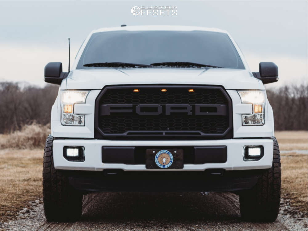 """2016 Ford F-150 Aggressive > 1"""" outside fender on 20x10 -25 offset Ultra Hunter and 305""""x55"""" Cooper Discoverer At3 Xlt on Suspension Lift 3"""" - Custom Offsets Gallery"""