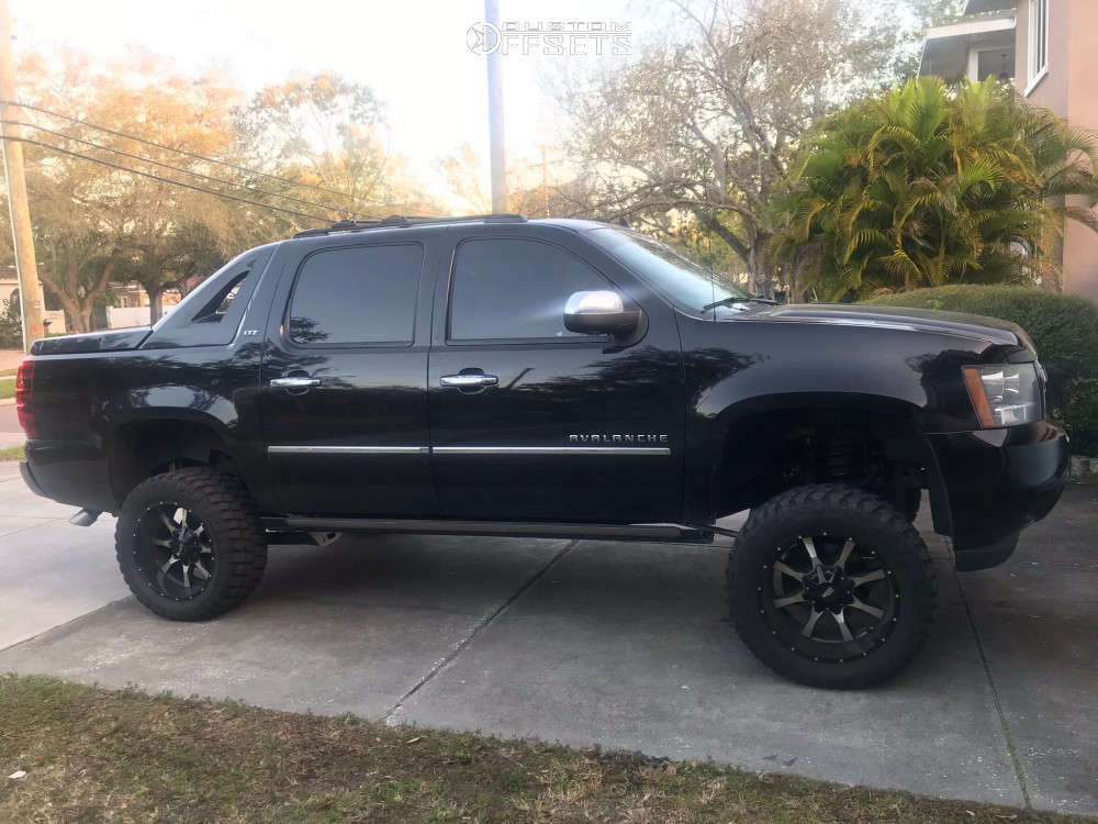 """2011 Chevrolet Avalanche Aggressive > 1"""" outside fender on 20x10 -24 offset Moto Metal Mo970 & 33""""x12.5"""" Ironman All Country Mt on Suspension Lift 7"""" - Custom Offsets Gallery"""