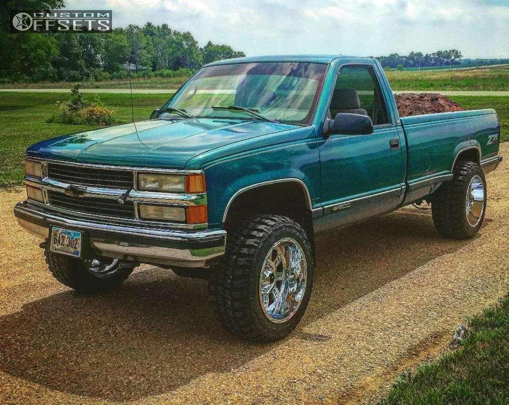 """1998 Chevrolet K1500 Slightly Aggressive on 20x12 -44 offset XD Riot & 33""""x12.5"""" Federal Couragia MT on Leveling Kit - Custom Offsets Gallery"""
