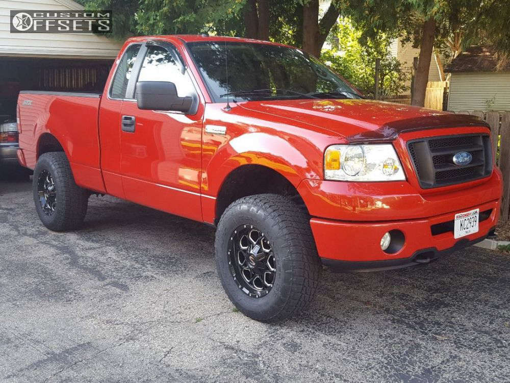 """2007 Ford F-150 Aggressive > 1"""" outside fender on 17x9 -12 offset Scorpion Sc10 and 285/70 Nitto Terra Grappler G2 on Leveling Kit - Custom Offsets Gallery"""