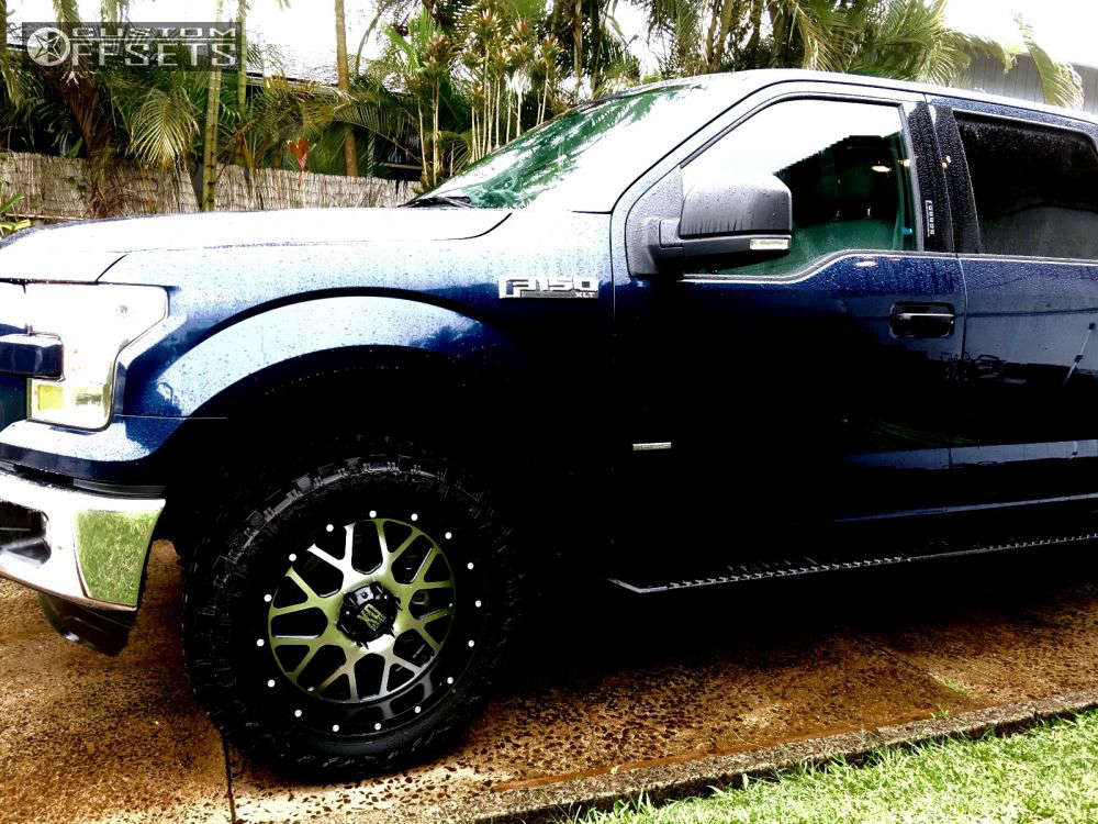 """2015 Ford F-150 Slightly Aggressive on 20x9 0 offset XD XD820 and 33""""x12.5"""" Atturo Trail Blade MT on Leveling Kit - Custom Offsets Gallery"""