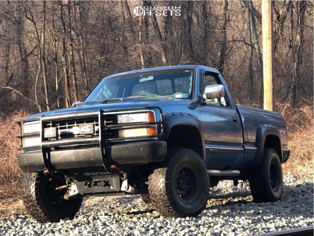 "1990 Chevrolet K1500 Aggressive > 1"" outside fender on 15x8 -22 offset Mickey Thompson Sidebiter Ii & 33""x12.5"" BFGoodrich All Terrain Ta Ko2 on Suspension Lift 4"" - Custom Offsets Gallery"