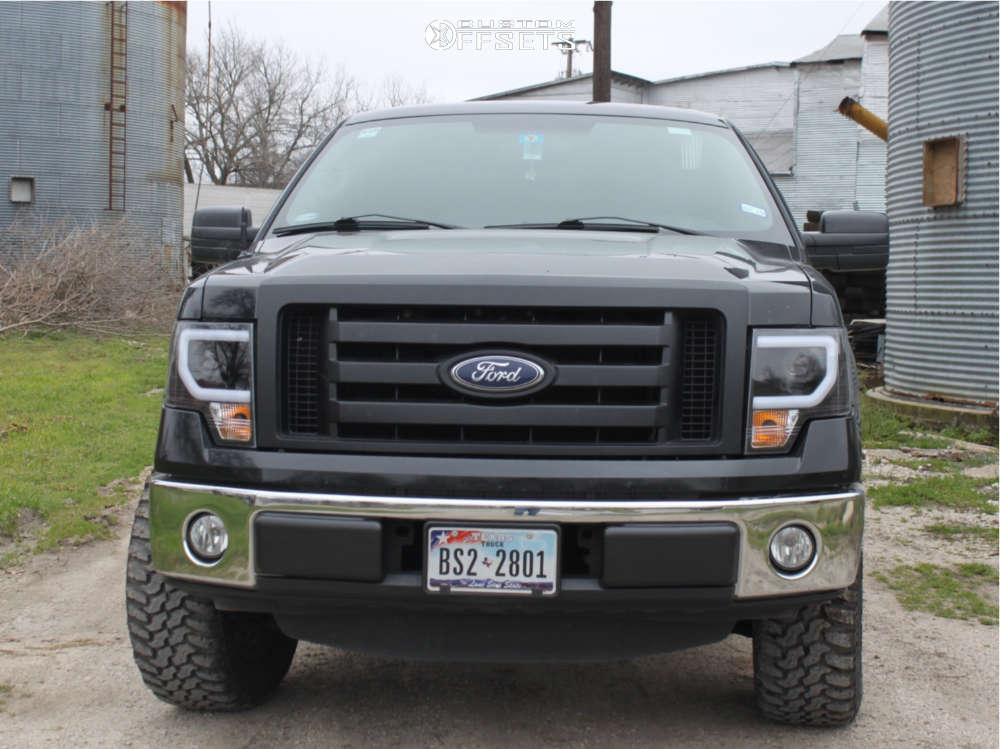"""2012 Ford F-150 Aggressive > 1"""" outside fender on 18x7.5 44 offset Spaced Out Stockers Spaced Out Stockers and 33""""x12.5"""" Sunny Eco Sendero Mt on Leveling Kit - Custom Offsets Gallery"""