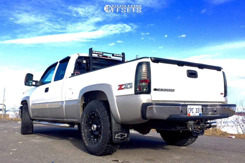 "2005 Chevrolet Silverado 1500 Aggressive > 1"" outside fender on 17x9 -12 offset XD Xd795 & 285/70 Goodyear Wrangler Duratrac on Leveling Kit - Custom Offsets Gallery"