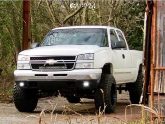 "2006 Chevrolet Silverado 1500 Aggressive > 1"" outside fender on 20x12 -44 offset Hostile Sprocket & 35""x12.5"" Atturo Trail Blade Mt on Suspension Lift 6"" - Custom Offsets Gallery"