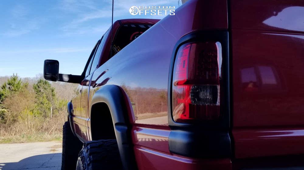 "2002 Dodge Ram 2500 Aggressive > 1"" outside fender on 17x10 -24 offset Moto Metal Mo962 & 35""x12.5"" Fierce Attitude Mt on Leveling Kit - Custom Offsets Gallery"
