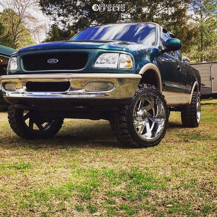 """1997 Ford F-150 Aggressive > 1"""" outside fender on 22x12 -44 offset Moto Metal Mo988 & 33""""x12.5"""" Gladiator Xcomp Mt on Stock Suspension - Custom Offsets Gallery"""