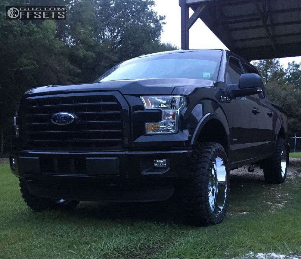 """2015 Ford F-150 Slightly Aggressive on 22x10 -24 offset Moto Metal Mo964 and 33""""x12.5"""" Atturo Trail Blade MT on Leveling Kit - Custom Offsets Gallery"""