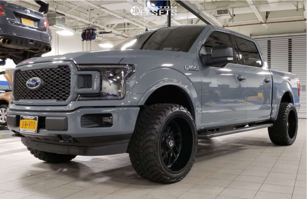 """2019 Ford F-150 Super Aggressive 3""""-5"""" on 22x12 -44 offset Tis 544bm & 33""""x12.5"""" AMP Mud Terrain Attack Mt A on Leveling Kit - Custom Offsets Gallery"""