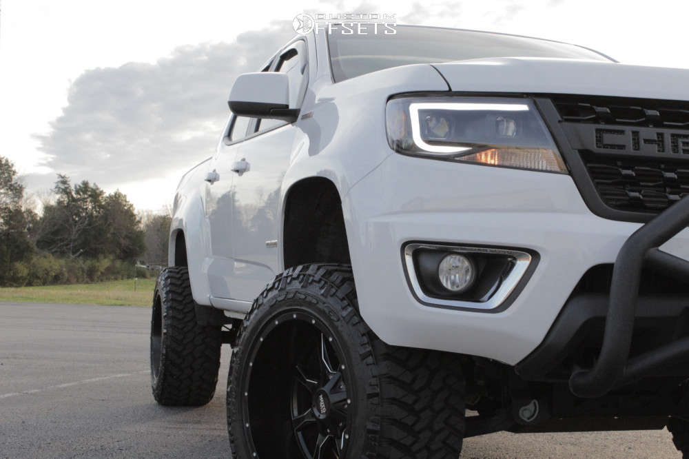 """2018 Chevrolet Colorado Aggressive > 1"""" outside fender on 20x12 -44 offset Moto Metal Mo970 & 33""""x12.5"""" Nitto Trail Grappler on Suspension Lift 6"""" - Custom Offsets Gallery"""