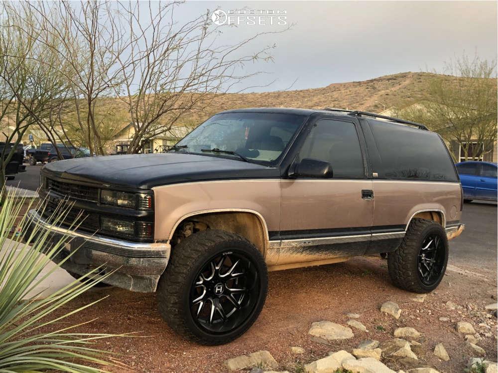 "1994 Chevrolet Blazer Aggressive > 1"" outside fender on 22x12 -44 offset Hostile Rage & 33""x12.5"" Radar Renegade R7 on Leveling Kit - Custom Offsets Gallery"