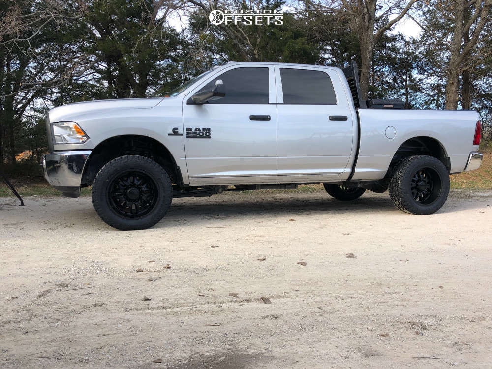 """2016 Ram 2500 Super Aggressive 3""""-5"""" on 20x10 -24 offset Ultra Hunter & 33""""x12.5"""" Toyo Tires Open Country A/T II on Stock Suspension - Custom Offsets Gallery"""