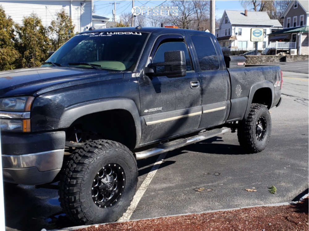 """2004 Chevrolet Silverado 2500 HD Aggressive > 1"""" outside fender on 16x8 -18 offset Fuel Revolver & 35""""x12.5"""" Federal Couragia Mt on Suspension Lift 6"""" - Custom Offsets Gallery"""