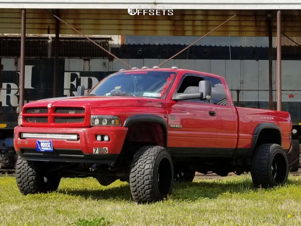 "2002 Dodge Ram 2500 Hella Stance >5"" on 22x14 -76 offset Moto Metal Mo962 & 35""x13.5"" Patriot Mt on Suspension Lift 5.5"" - Custom Offsets Gallery"