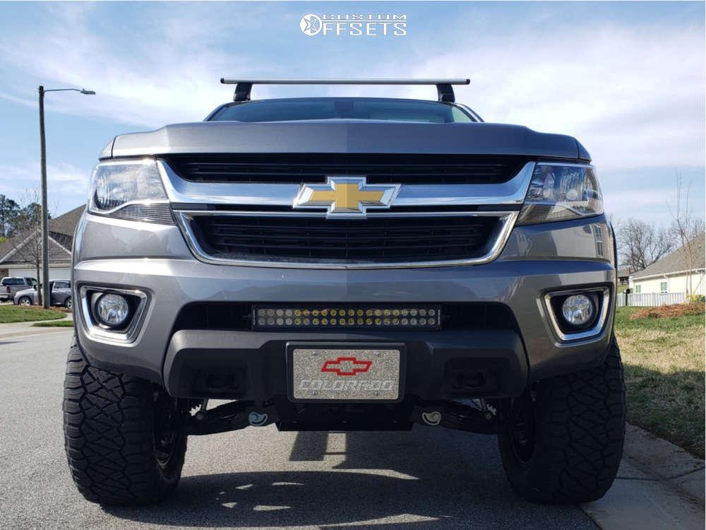 "2018 Chevrolet Colorado Aggressive > 1"" outside fender on 20x9 1 offset Fuel Maverick D538 & 33""x11.5"" Nitto Ridge Grappler on Suspension Lift 6"" - Custom Offsets Gallery"