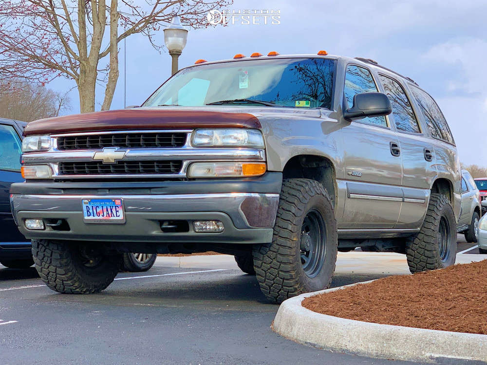 """2002 Chevrolet Tahoe Super Aggressive 3""""-5"""" on 16x8 -6.35 offset Pro Comp 51 & 285/75 BFGoodrich Mud-terrain T/a Km3 on Leveling Kit - Custom Offsets Gallery"""