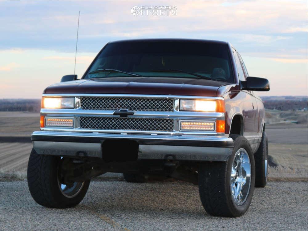 "1997 Chevrolet K1500 Aggressive > 1"" outside fender on 20x10 -24 offset Fuel Maverick D536 & 305/50 Nitto Nt420s on Leveling Kit - Custom Offsets Gallery"