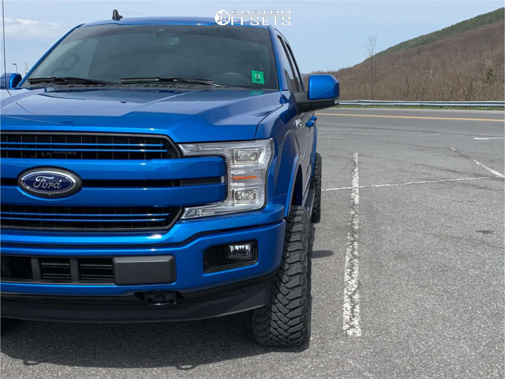"""2019 Ford F-150 Super Aggressive 3""""-5"""" on 20x10 -25 offset TIS 544bm & 33""""x12.5"""" Toyo Tires Open Country R/T on Suspension Lift 4"""" - Custom Offsets Gallery"""