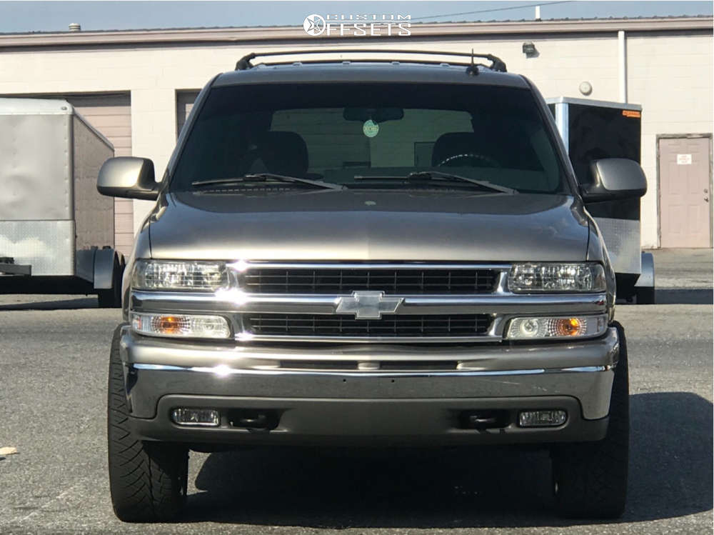 """2002 Chevrolet Tahoe Aggressive > 1"""" outside fender on 22x9 24 offset Oe Performance 176 & 285/40 Nitto Nt420s on Stock Suspension - Custom Offsets Gallery"""