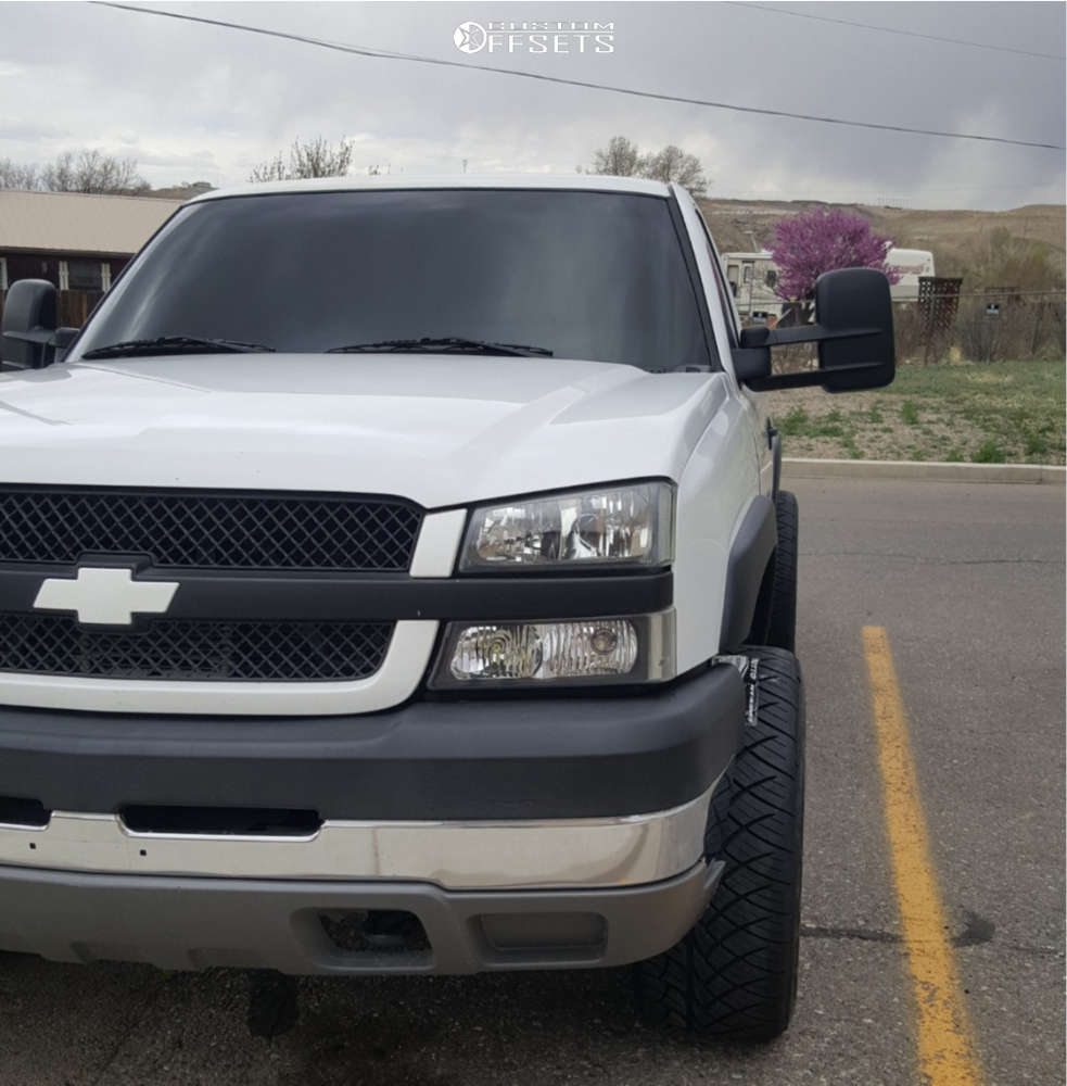"""2004 Chevrolet Silverado 2500 HD Aggressive > 1"""" outside fender on 20x10 -25 offset Ultra Menace & 305/50 Nitto Nt420s on Level 2"""" Drop Rear - Custom Offsets Gallery"""