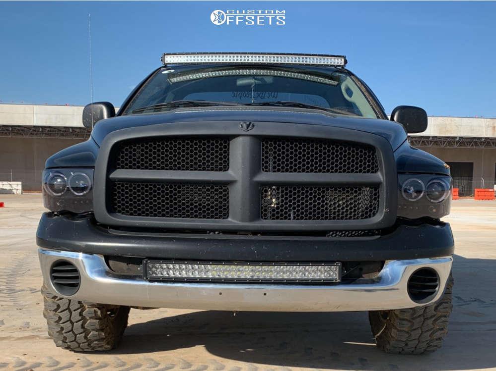 "2004 Dodge Ram 1500 Aggressive > 1"" outside fender on 17x9 -12 offset Raceline Rockcrusher & 33""x12.5"" Gladiator Xcomp Mt on Leveling Kit - Custom Offsets Gallery"