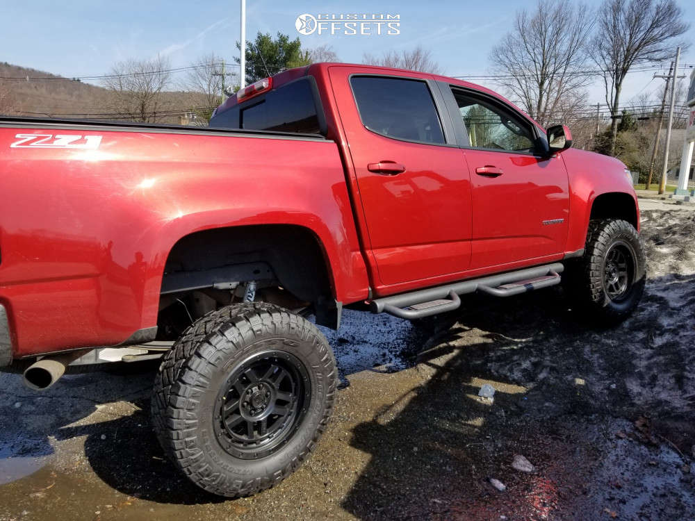 """2016 Chevrolet Colorado Aggressive > 1"""" outside fender on 18x8.5 0 offset Xd Xd140 & 33""""x12.5"""" Nitto Ridge Grappler on Air Suspension - Custom Offsets Gallery"""